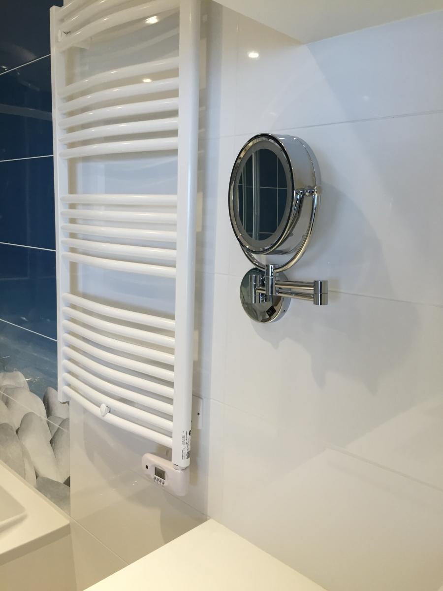maison neuve latour bas elne installation meuble vasque avec mitigeur lavabo hansgrohe. Black Bedroom Furniture Sets. Home Design Ideas
